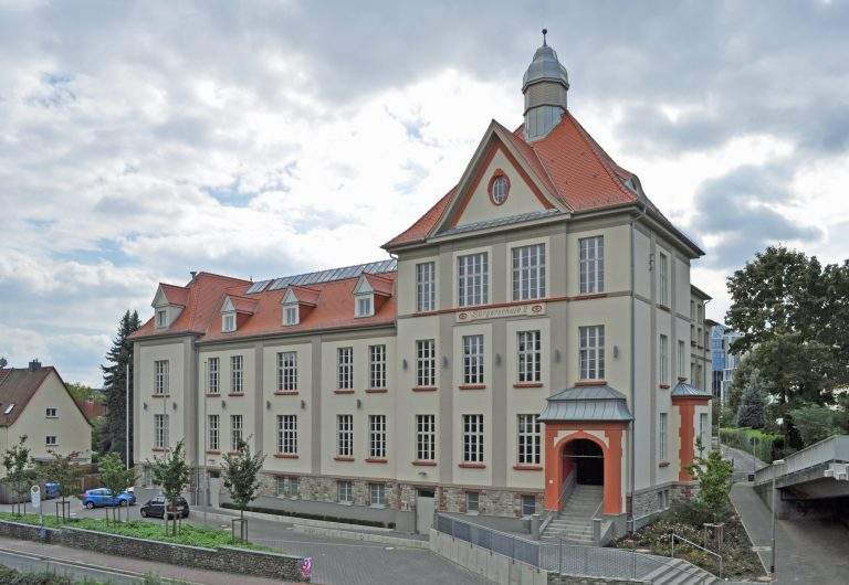 Bad_Homburg,_Hölderlin-Schule
